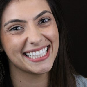 WhatsApp sorridente mulher Dr Alysson Resende