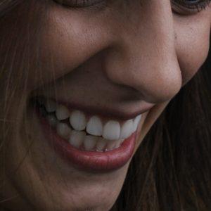 WhatsApp mulher sorridente Dr Alysson ResendeWhatsApp mulher sorrindente Dr Alysson Resende