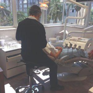 A posição de trabalho e a saúde dos dentistas