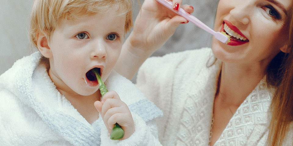 Está cuidando da boca do seu pequeno by Dr. Alysson Resende?